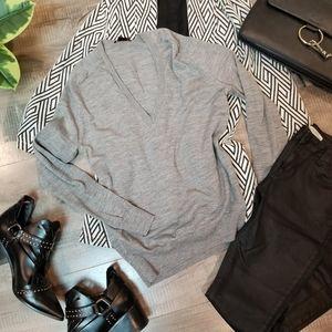 Theory - Wool V-neck grey sweater